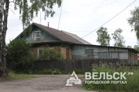 Жительница пгт Коноша (Архангельская область) из-за пожара осталась без крова.