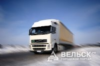 В Шенкурском районе загорелся грузовик