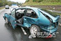 Житель г Шенкурска, управляя автомобилем в состоянии алкогольного опьянения сбил мотоцикл с людьми