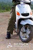 Житель поселка Коноша избил полицейского мотошлемом