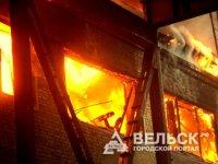 В Шенкурске сгорел торговый центр