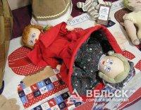 В Шенкурске открылась выставка выставка «Старинные куклы и игольницы»
