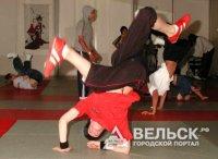 AmazingTroll из Няндомы научит танцевать брейк-данс