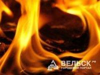 В Няндоме сгорел двухквартирный дом