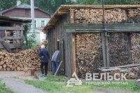 В Поморье сгорел груженый бревнами КАМАЗ