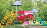 Осуждённые ИК-14 построили в Вельске детскую площадку